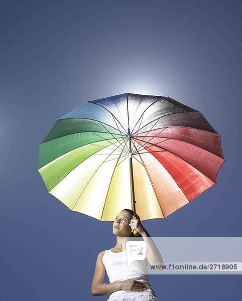 Mädchen mit Sonnenschirm