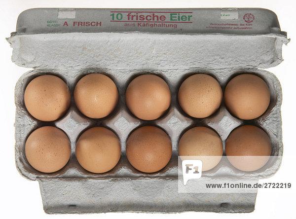 Eier im Karton  erhöhte Ansicht