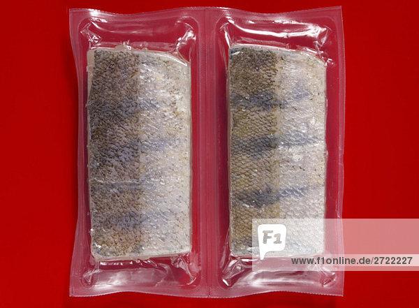 Gefrorene Makrele vakuumverpackt  erhöhte Ansicht