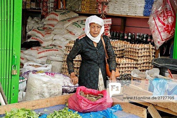 Indonesien Markthändler  Banda Aceh  Aceh 2 Jahre nach dem Tsunami