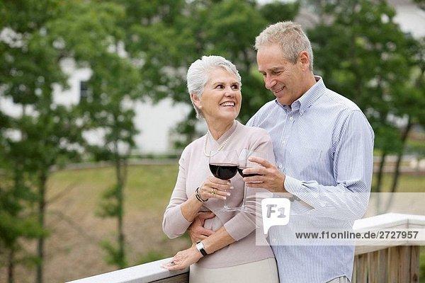 Alkohol,Alte Leute,Aussen,Emotion,Erwachsene