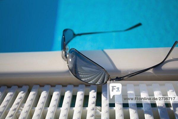 Ecke Ecken Schwimmbad Sonnenbrille