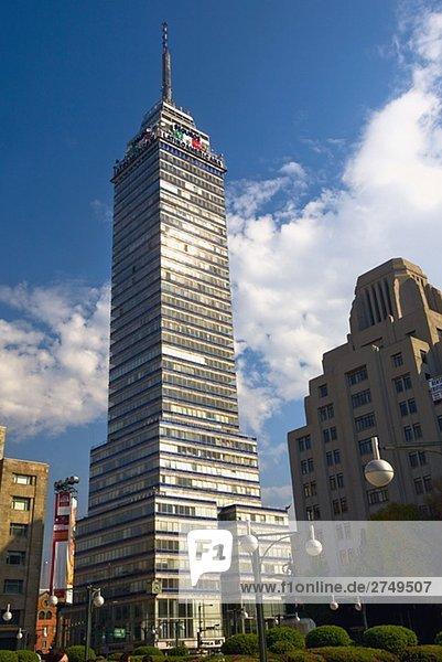 Untersicht eines Turms  Torre Latinoamericana  Mexiko-Stadt  Mexiko