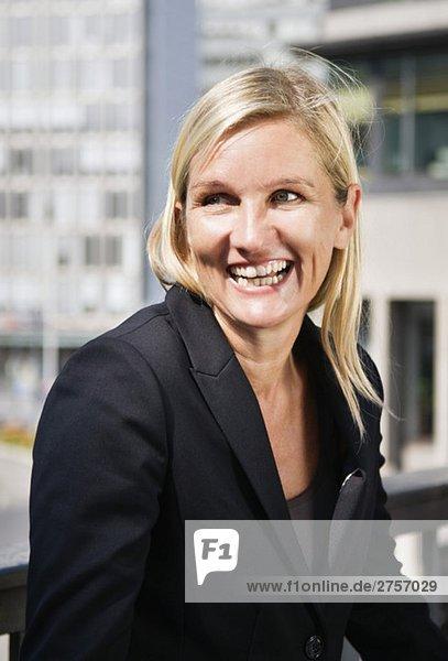 Portrait einer glücklichen Geschäftsfrau