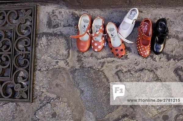Zapatos de Flamenco Para Niños En Venta En Uno de Los Tantas Tiendas de Ropa y Calzados Que Existen En el Casco Antiguo De La Ciudad de Sevilla _ Andalucía España