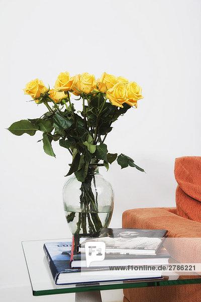 Buch Blume Blumenvase Rose