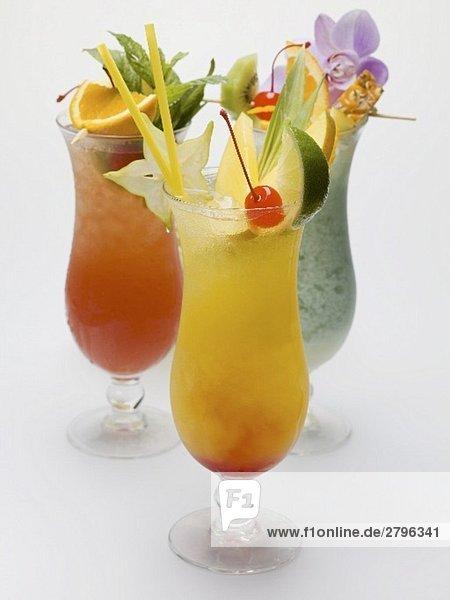 Drei fruchtige Longdrinks