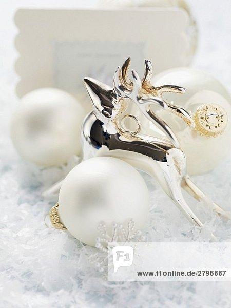 Rentier  Christbaumkugeln und Weihnachtskarte