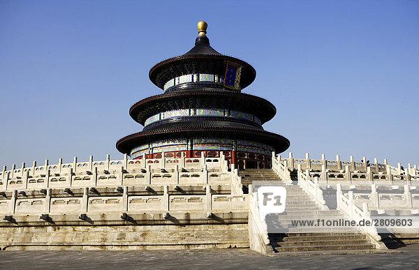 Blick auf die Halle des Gebetes für gute Ernten im Tempel des Himmels  Beijing