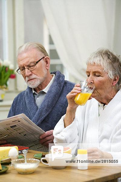 Frau Mann Frühstück