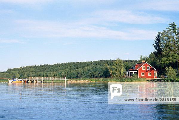 Wasser Wohnhaus rot