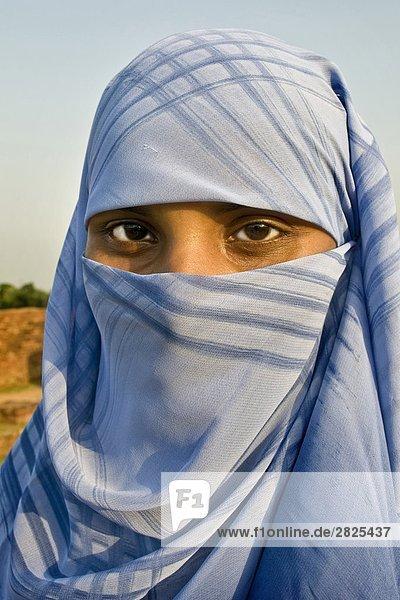 Bangladesh  Bagerhat  portrait of woman