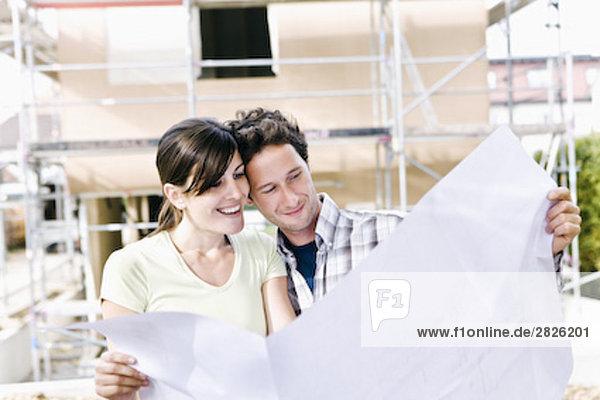 Portrait Organisation organisieren frontal Eigentumswohnung neues Zuhause