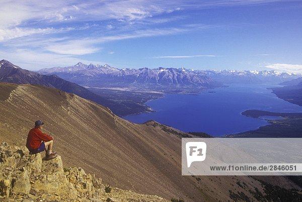 Wanderer über dem Chilko Lake  British Columbia  Kanada.