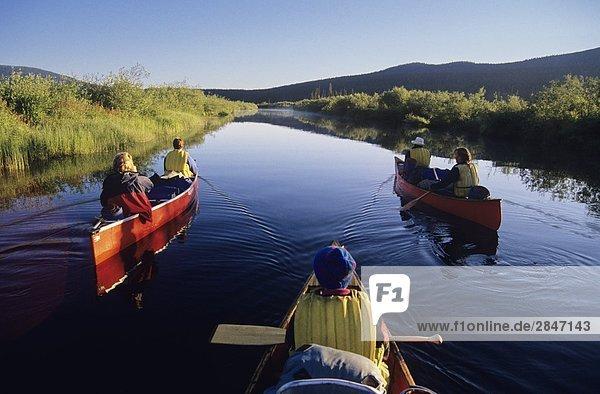 Kanuten  Bowron Lake Provincial Park  British Columbia  Kanada.