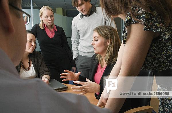 Strategiesitzung im Sitzungssaal