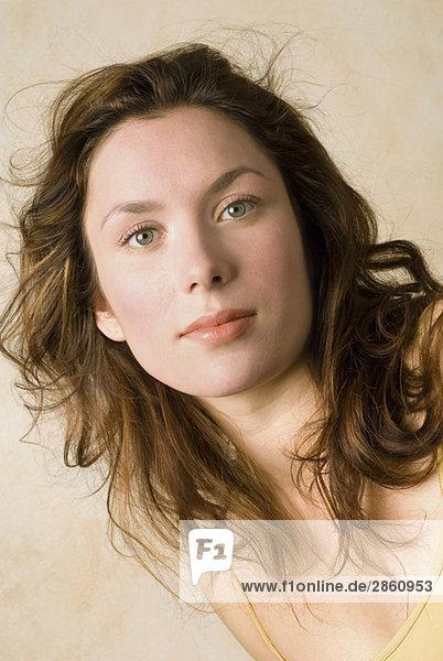 Junge Frau  Portrait  Nahaufnahme