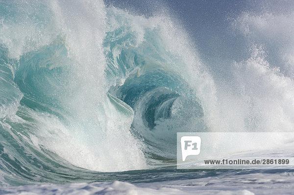 USA  Pazifischer Ozean  Hawaii  Große Welle