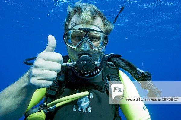 hoch oben Wasser blau Menschlicher Daumen Menschliche Daumen Ägypten