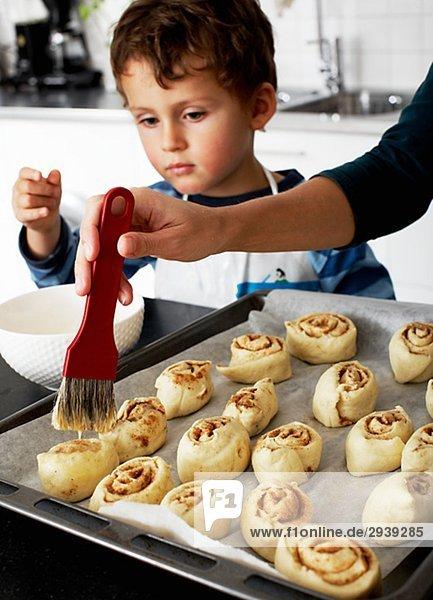 Mutter und Sohn Bäckerei Schweden.