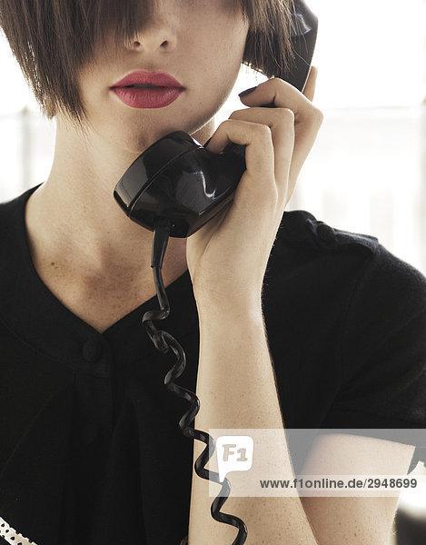 Woman talking on the phone  MontrŽal  QuŽbec