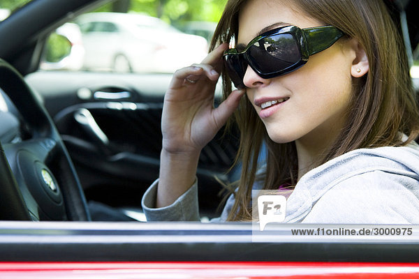 Frau Sonnenbrillen Steuerwagen