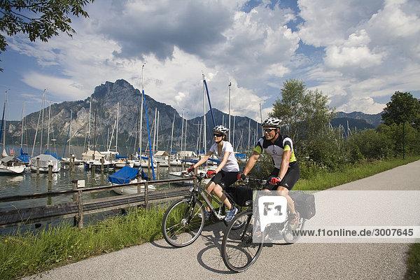 10853553  Rad  Fahrrad  Gmunden  Oberösterreich