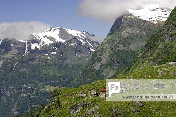 Berghütten oberhalb des Geiranger Fjord  Norwegen