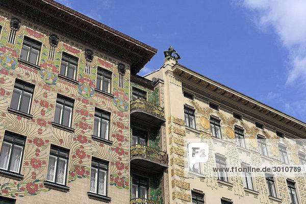 Majolikahaus  links  Jugendstilhäuser an Linke Wienzeile Nr. 38 und 40  Wien  Österreich  Europa