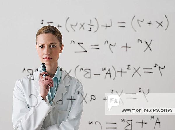 Wissenschaftler bei der Suche nach einer Formel