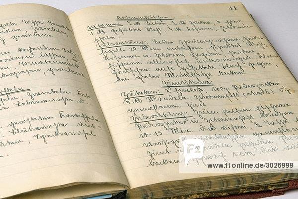 Altmodisches Kochbuch,  Nahaufnahme
