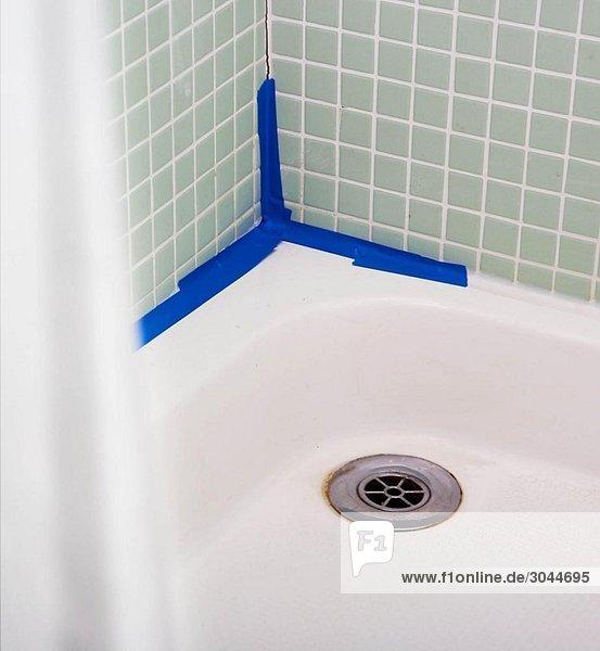 Undichte Dusche mit schlechtem DIY