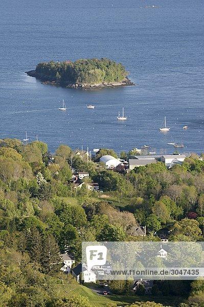 USA  Maine  Camden  Blick auf Penobscot Bay von Camden Hills State Park