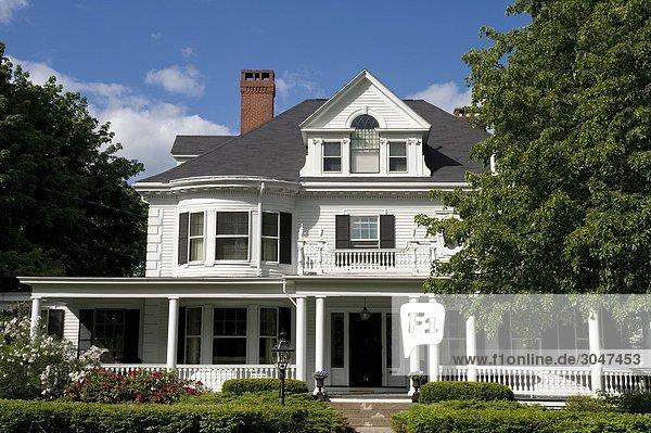USA,  Maine,  Kennebunkport,  sea captain's houses