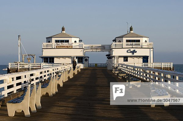 USA  California  Malibu. Surfrider Beach Pier