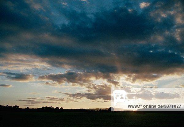 Wolken und sunset Bohuslan Schweden.
