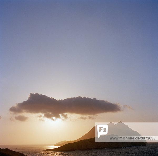 Sonnenuntergang über dem Ozean Griechenland