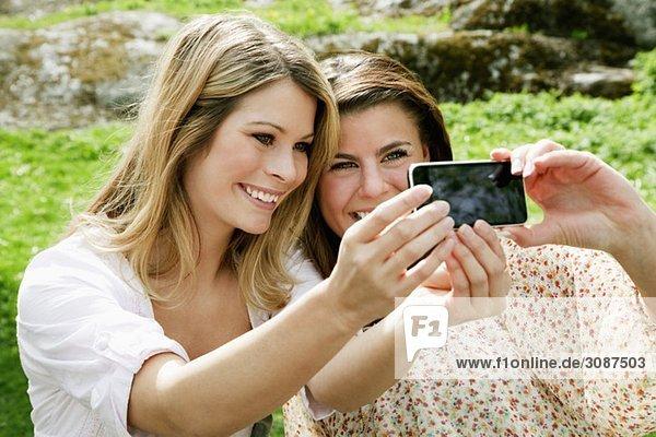 Mädchen beim Fotografieren