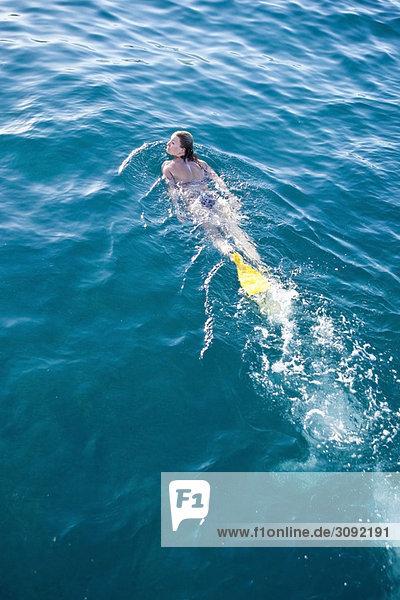 Schwimmflossenschwimmerin