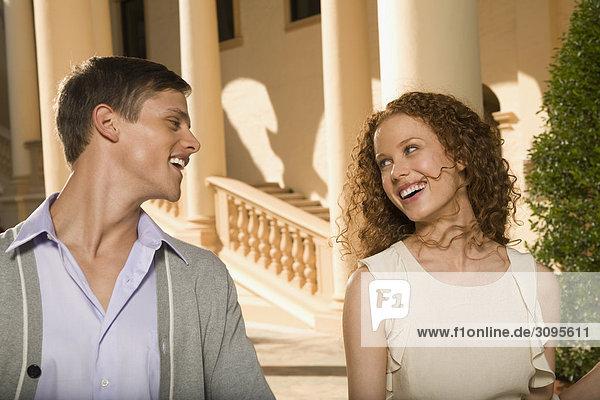 Nahaufnahme von einem Paar Lächeln  Biltmore Hotel  Coral Gables  Florida  USA