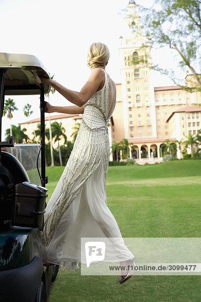 Braut in einem Golf-Cart  Biltmore Golf Course  Coral Gables  Florida  USA