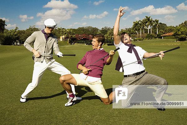 Drei Freunden Spaß in einem Golfplatz  Biltmore Golf Course  Coral Gables  Florida  USA