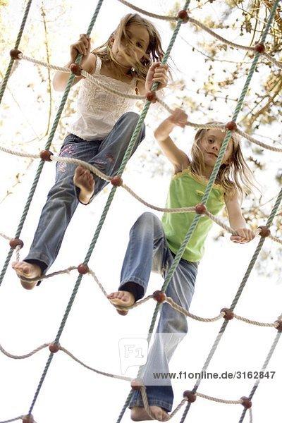 Seil Tau Strick 2 Mädchen klettern Seil,Tau,Strick,2,Mädchen,klettern