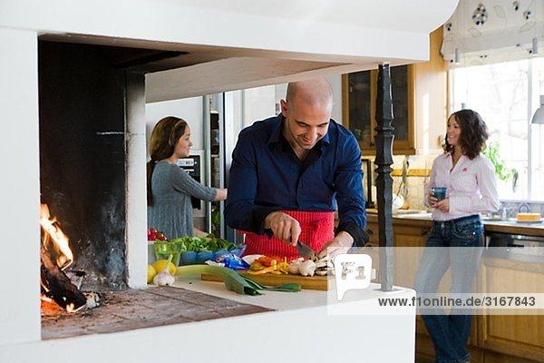 Familie machen Abendessen  Schweden.