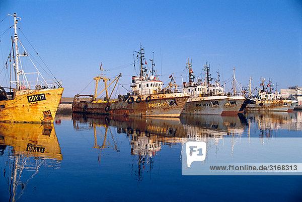 Schiffe im Hafen Dänemark.