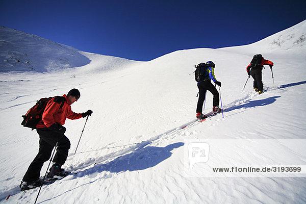 Skifahrer Kletterberg  Schweden.
