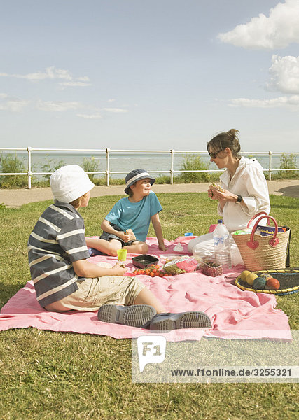 Picknick für Frauen und Kinder