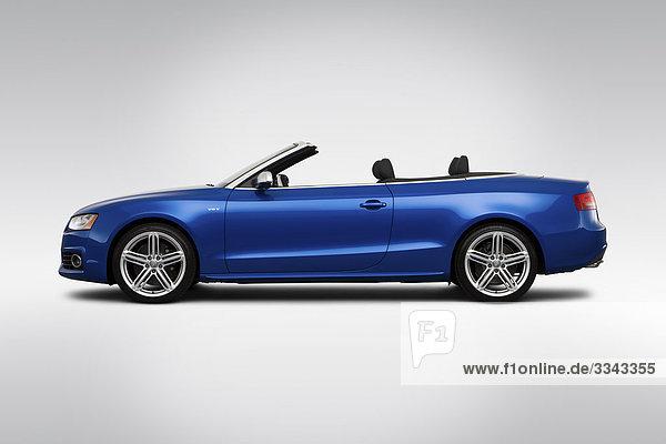 2010 Audi S5 Cabriolet in blau - Treiber Seitenprofil