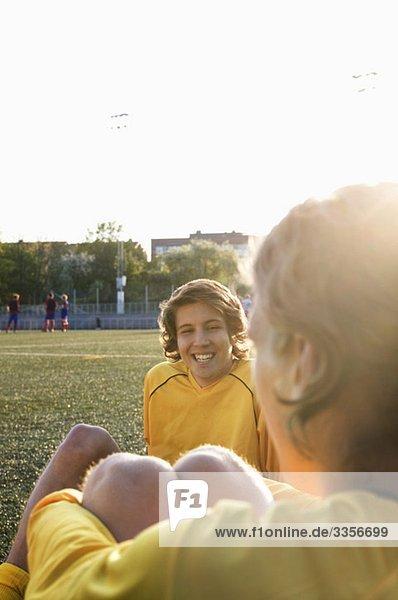 Fußballspieler in der Pause