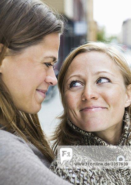 Liebevolle Frauen Liebevolle Frauen